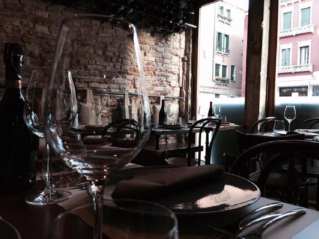 Venice Wine Tasting with Tapas at Osteria Nevodi