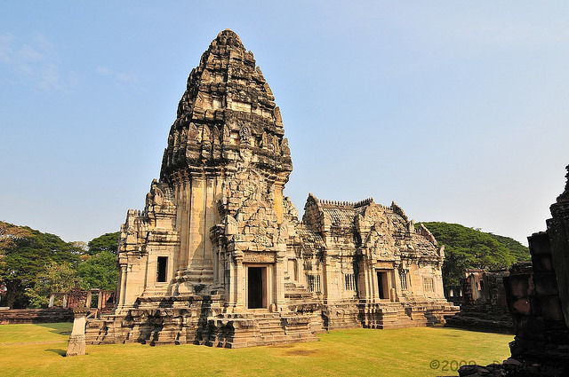 Empire of the Khmers: 3-Day Guided Tour from Bangkok