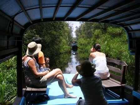 Orangutan Houseboat Trip