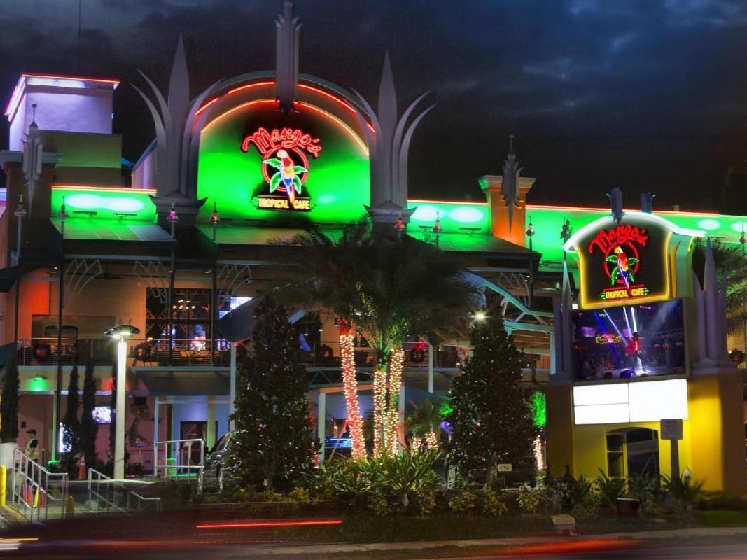 Mango's Tropical Cafe Dinner & Show