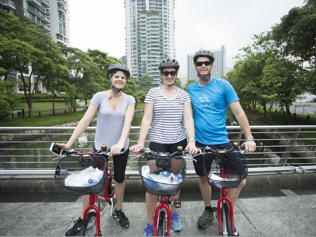 Best of Singapore Small Group Bike Tour from Kampong Glam to Marina Bay