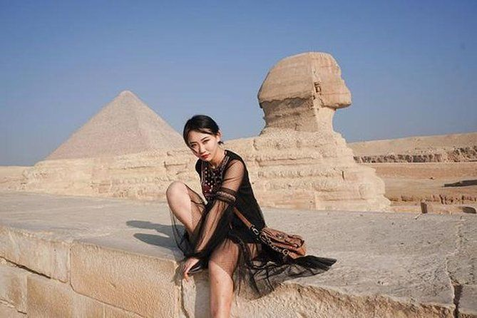 Private Shore Excursion: Giza Pyramids and Sakkara with Lunch in the Desert from Alexandria