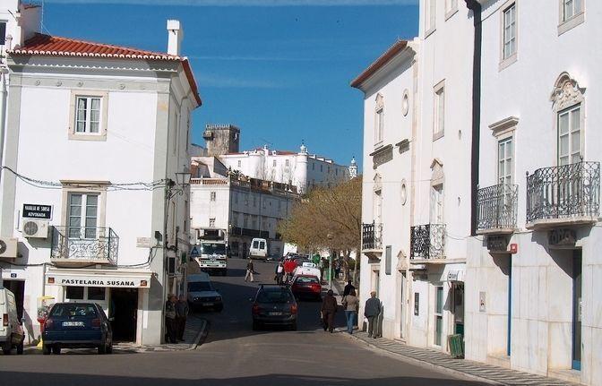 Private day trip: Évora World Heritage & Estremoz