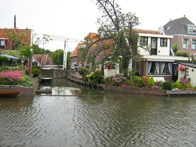 Dutch waterland, fishermen and windmills countryside tour from Amsterdam