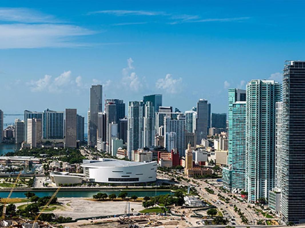 Hop-on Hop-off Double Decker Bus Miami Tour & Biscayne Bay Cruise Combo