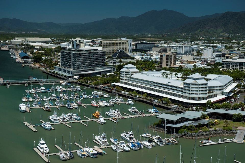Cairns 2-Hour Harbor Cruise with Afternoon Tea