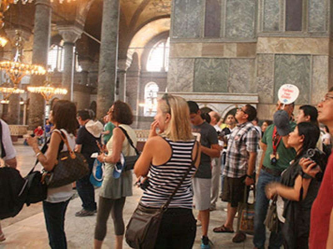 Skip-the-Line Tickets to Hagia Sophia with Small Group Guided Walking Tour