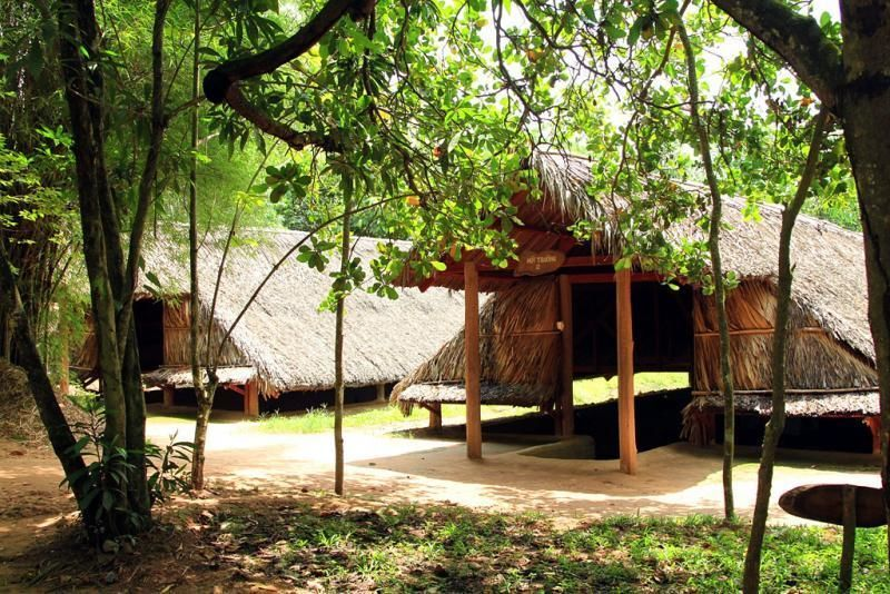 Discovery Trip of Vietnam History - Cu Chi Tunnels - Cao Cai Temple