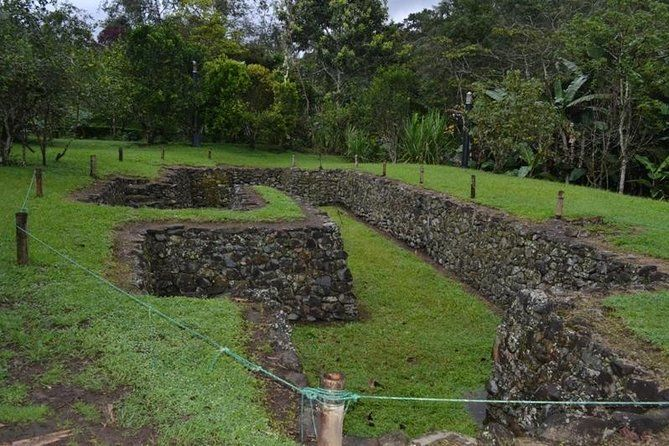 Private Day Tour Archaeological Site-Museums from Quito