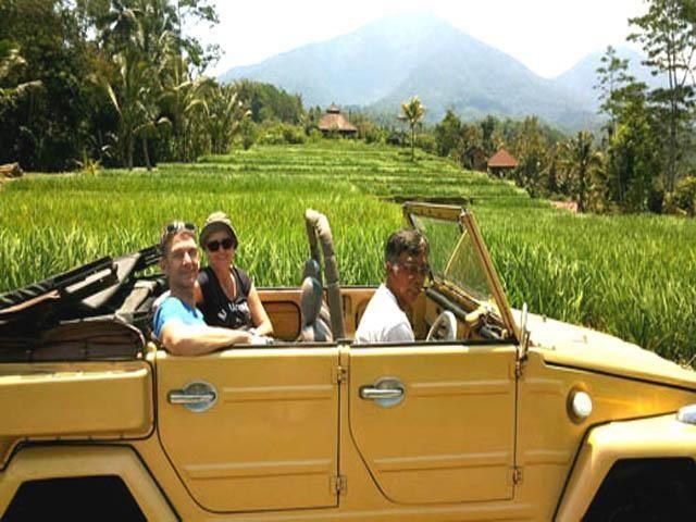 Private Tour Bali: Romantic Tour in a VW-Jeep