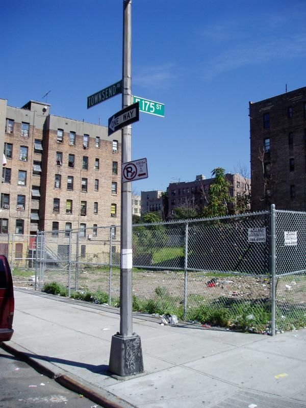 Walking Tour through the Bronx in New York