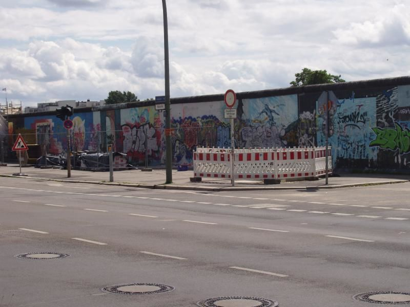 Walking Tour of the Berlin Wall