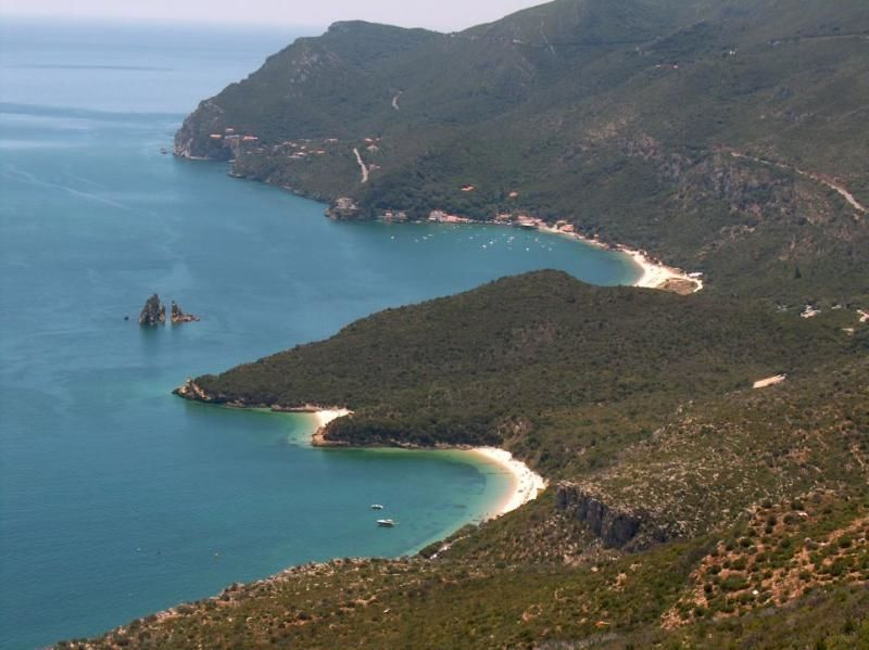Full-day excursion to Arrábida: Hidden Treasures & Blue Coast 8hrs.