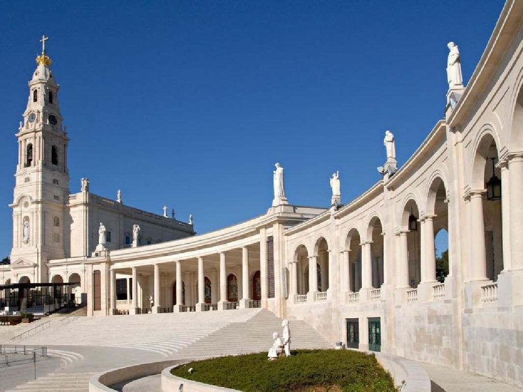 Obidos and Fatima Private Full-Day Tour from Lisbon