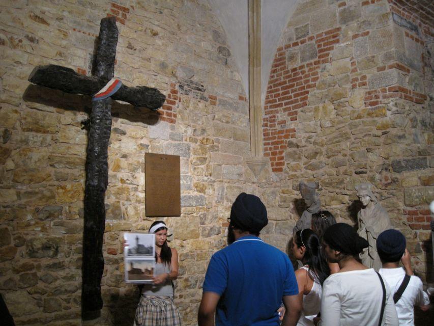 Prague: Oldtown, Medieval Underground & Dungeon Tour