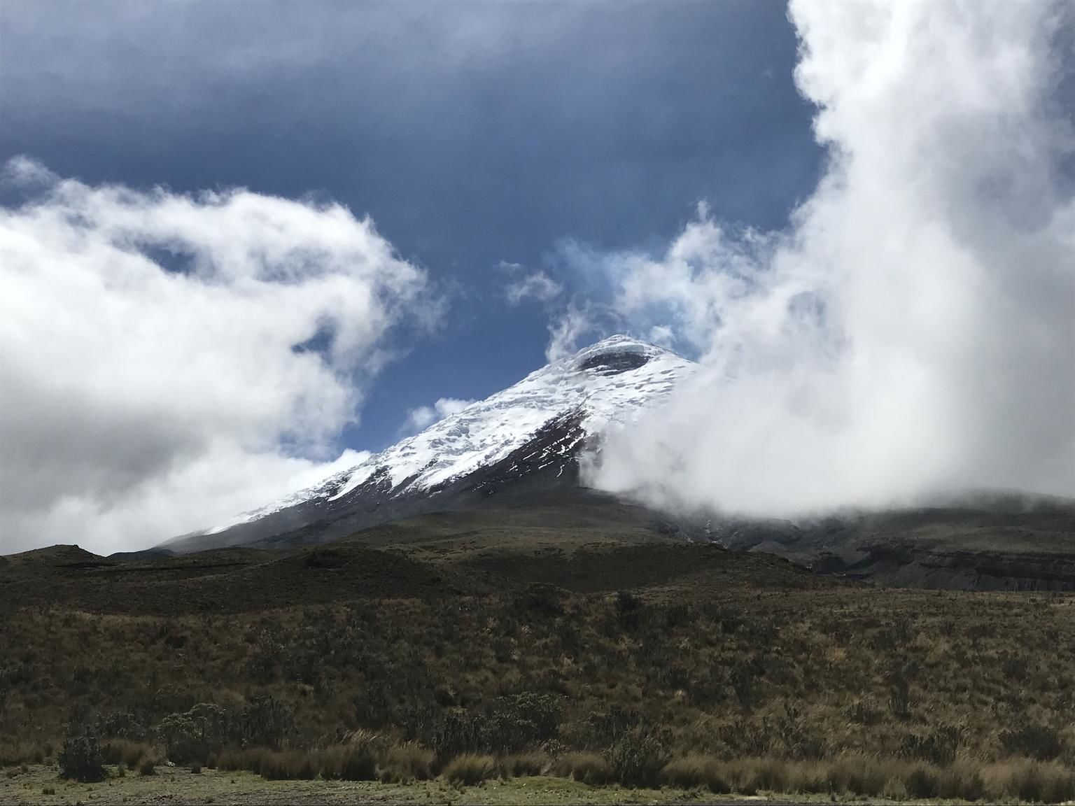 Shared Full-Day Hike and Bike Cotopaxi National Park