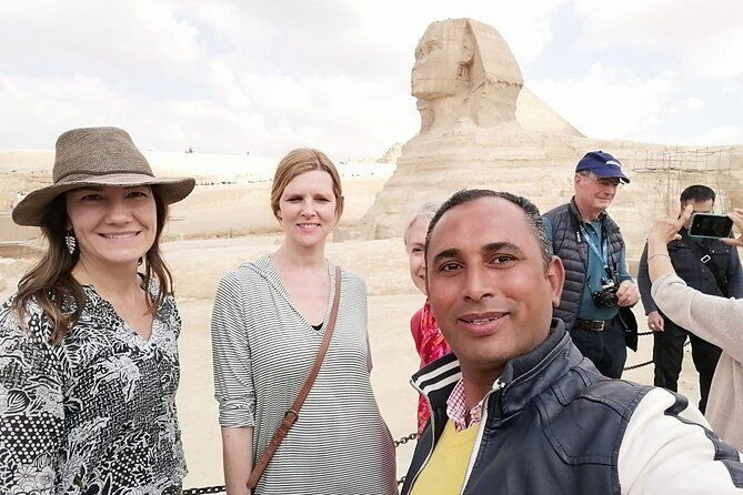 Day-Tour to Giza pyramids & Egyptian Museum with 30 min Camel Ride
