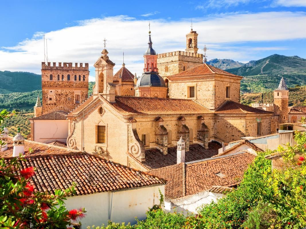 5 Days Madrid, Caceres and Toledo Excursion from Lisbon with Hotel Accommodation