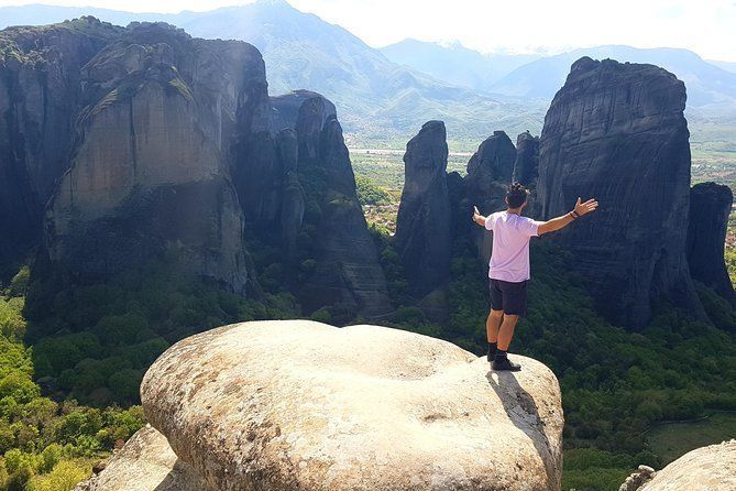 1-day rail trip from Athens to Meteora