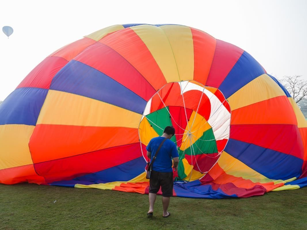 Hot Air Balloon Ride Over Cairns with Hotel Transfers