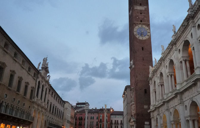 Discover Vicenza - walk through the old town