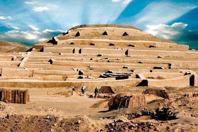 Cahuachi Ceremonial Center Tour from Nasca