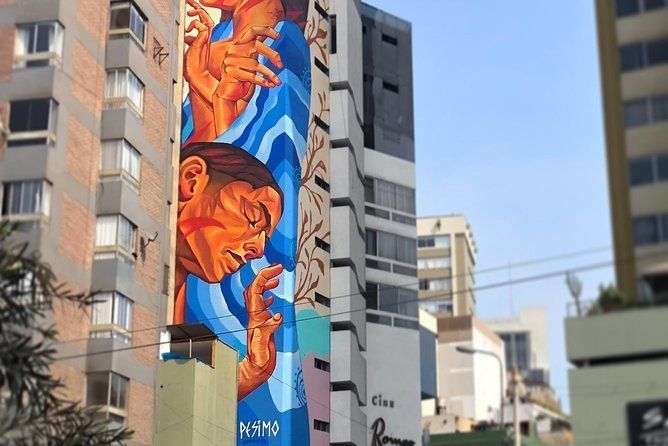 STREET ART TOUR GUIDED BY ARTISTS - MIRAFLORES