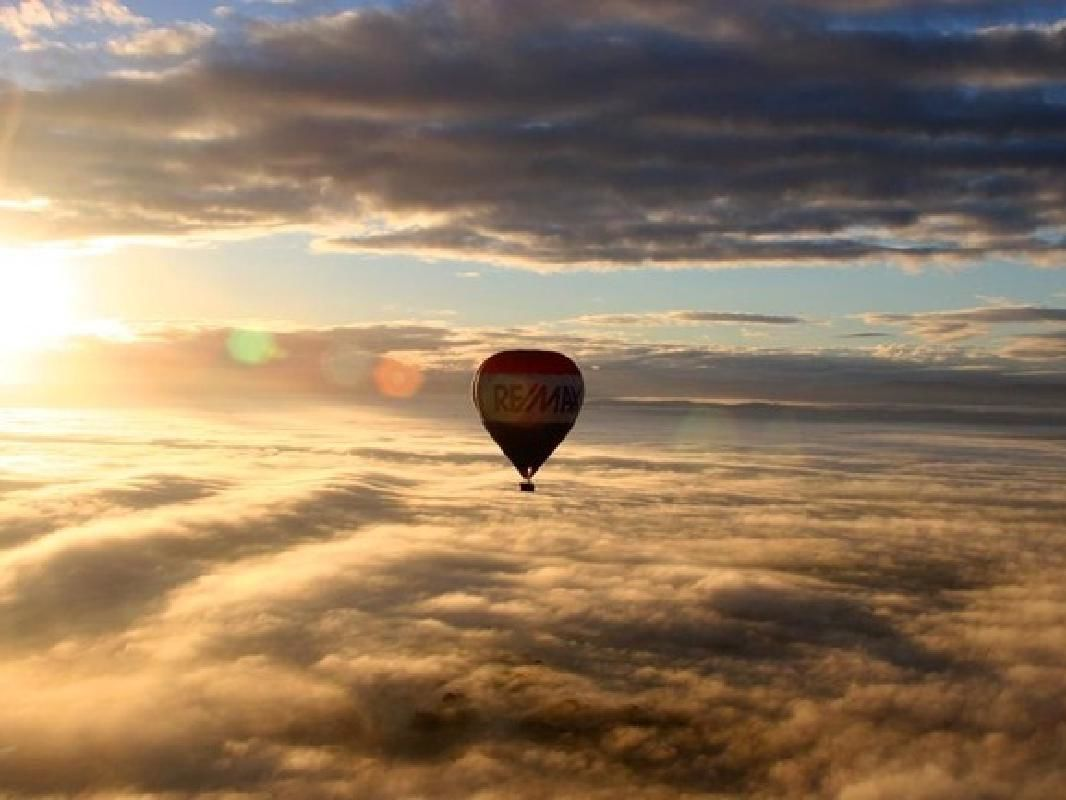 Melbourne Hot Air Balloon Ride with Yarra Valley Winery Tour
