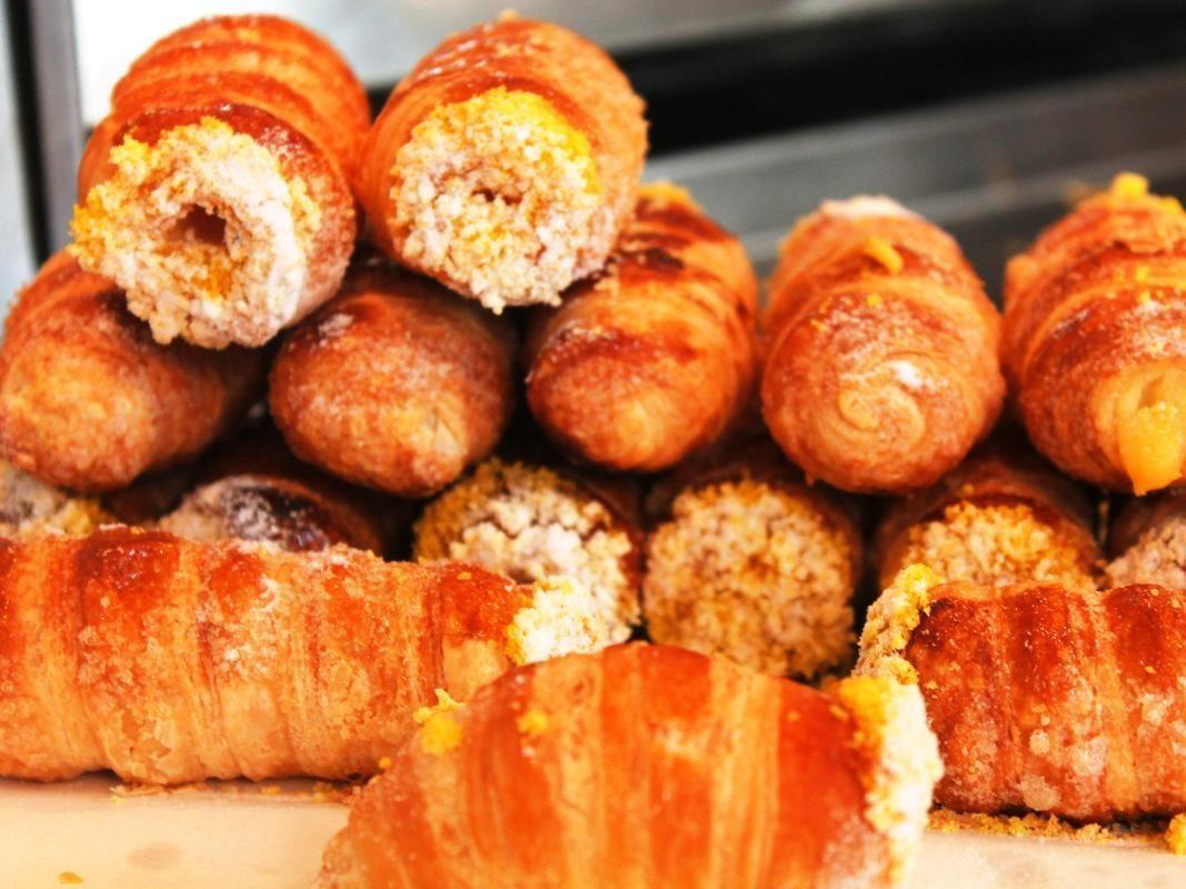 Milan Food Walking Tour of Brera District with Tastings