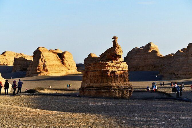3 Days Dunhuang Private Tour with Yadan Ghost City and Han Great Wall