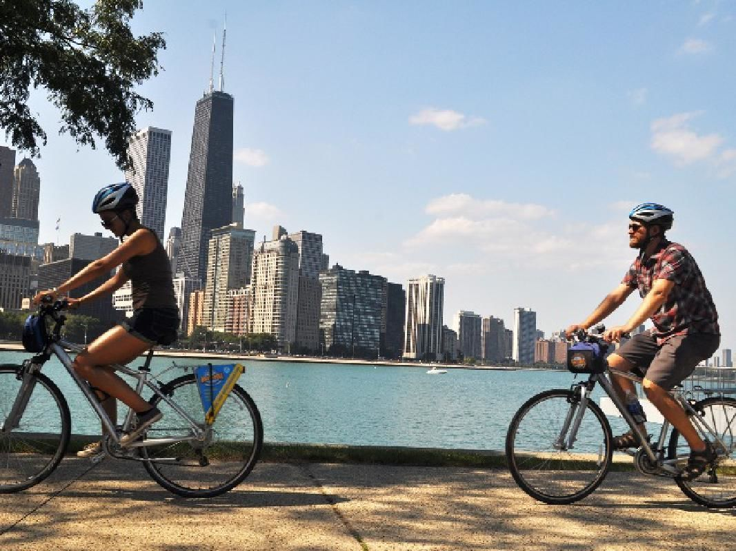 Lincoln Park & Chicago Lake Front Guided Bike Tour
