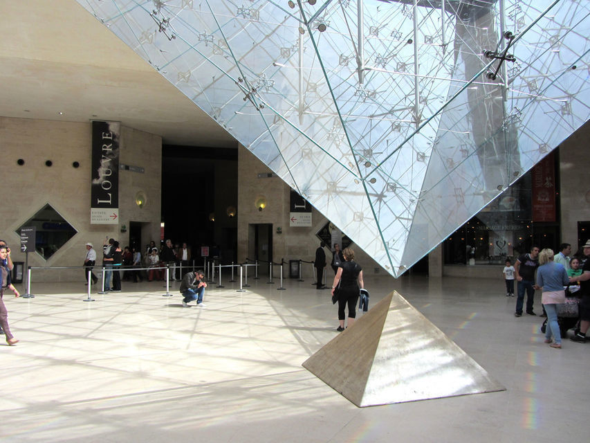 Paris: Louvre Museum Skip-The-Line Tour