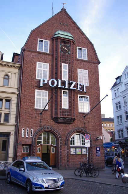 St. Pauli Tour: Crime, Prostitution & Party