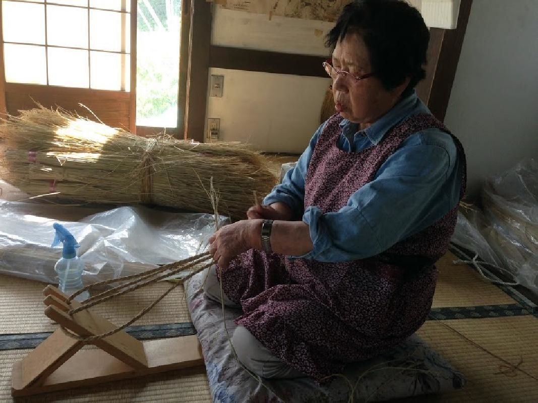 Traditional Straw Woven Sandal Half Day Workshop in Minakami