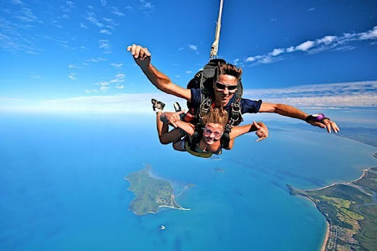 Mission Beach Sky Diving at 15,000 Feet from Cairns