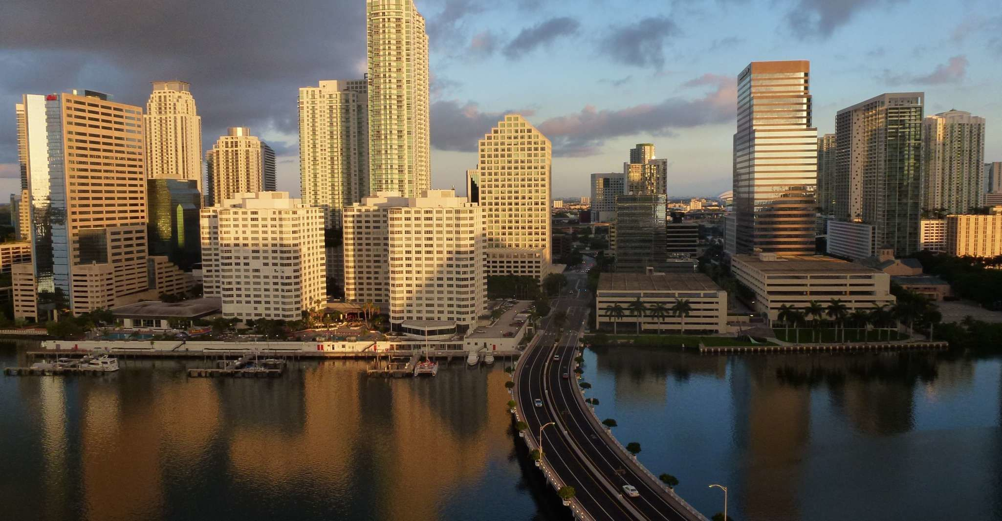 Miami: Private Customized Walking Tour with a Local Host