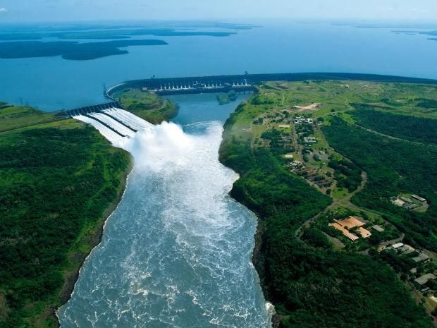 Two Day Trips to the Iguaza Falls and the Itaipu dam