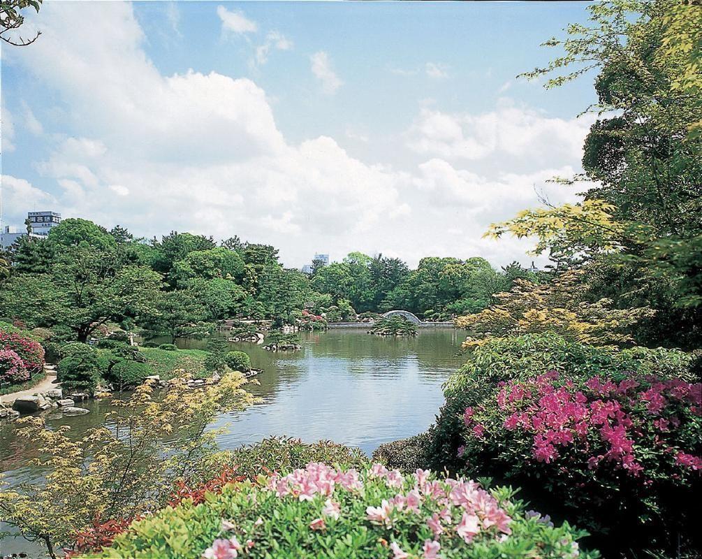 Full Day Private Taxi Tour of Hiroshima and Miyajima