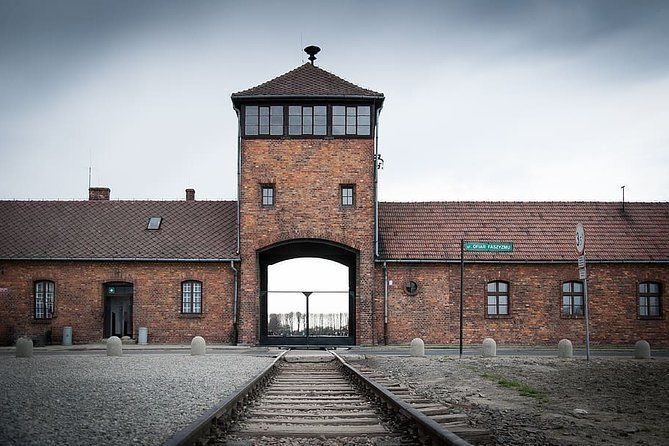 Private Full Day Excursion to Auschwitz from Krakow with Hotel Pick-up