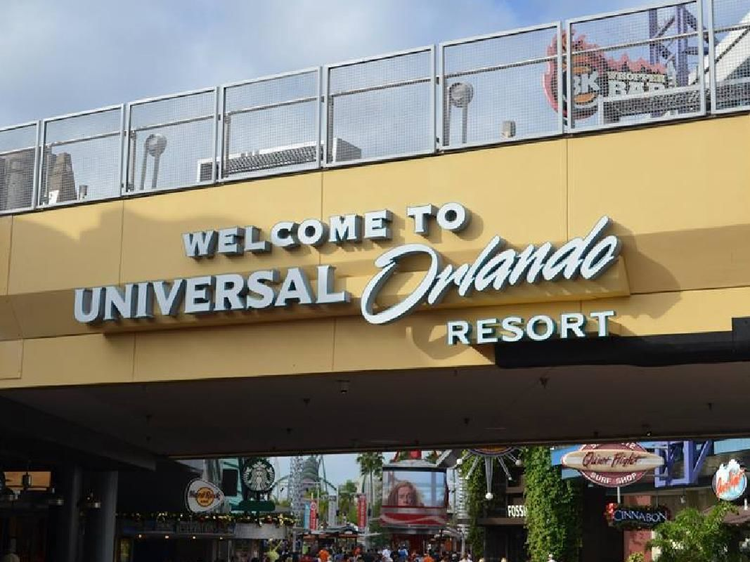 Universal Studios or Islands of Adventure Admission & Orlando Transportation