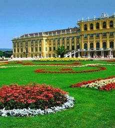 Vienna City Tour - Hop-On/ Hop-Off Tour 24 / 48 hours - All lines