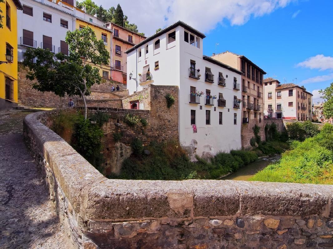 [Super Saver] Alhambra & Nasrid Palaces Tour with Albayzin & Sacromonte Visit