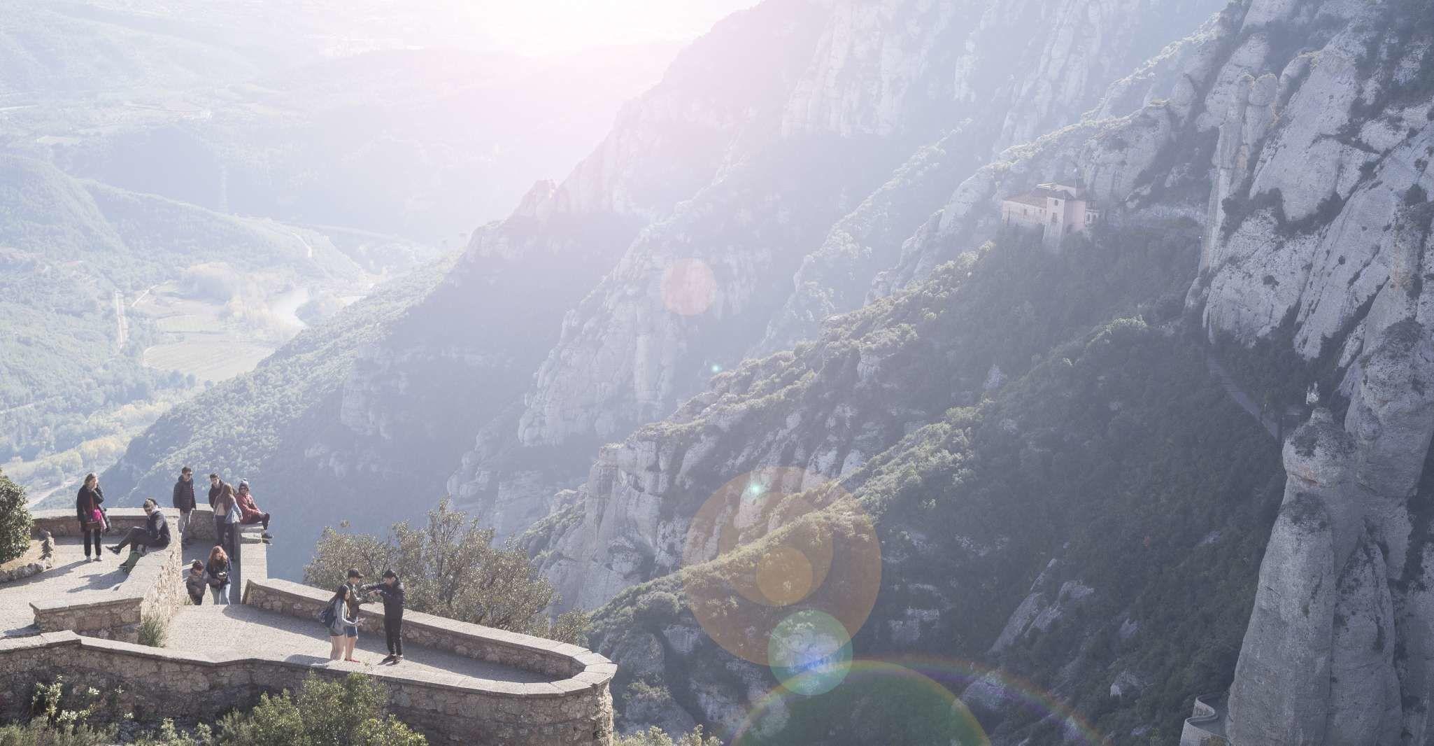 Barcelona Highlights City Tour and Montserrat Excursion