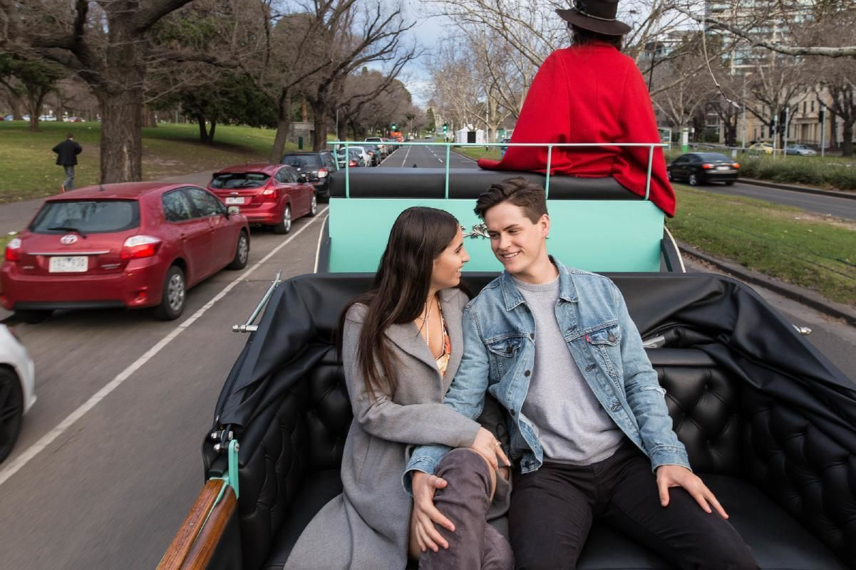 Romantic Horse Carriage Ride around Melbourne with Bottle of Champagne