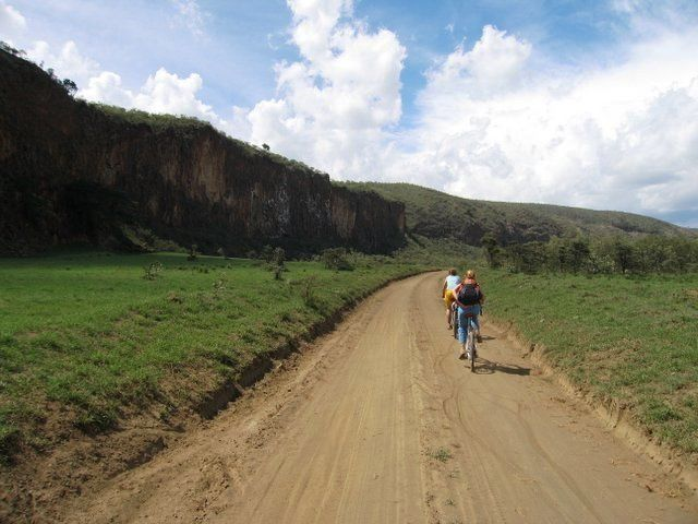 1 DAY TRIP TO HELLS GATE AND LAKE NAIVASHA FROM NAIROBI