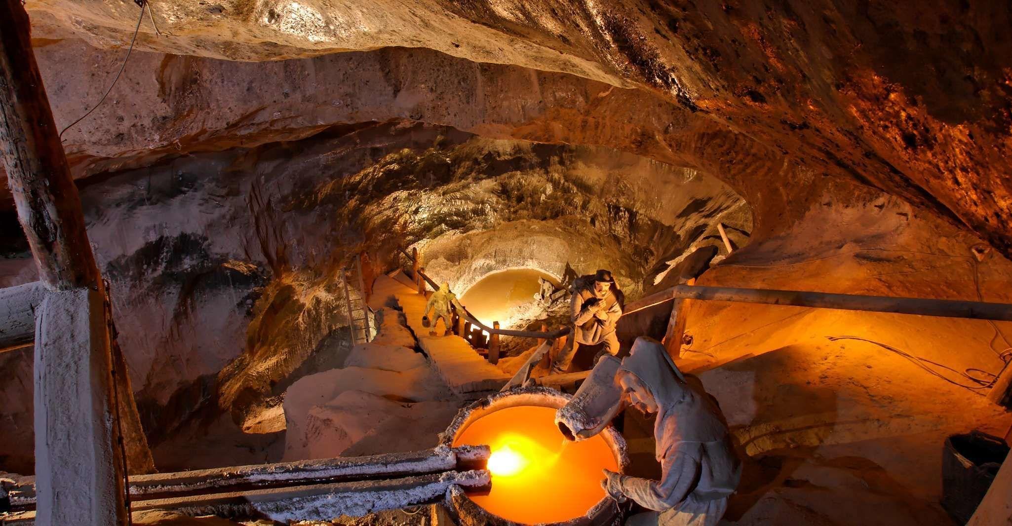 Wieliczka Salt Mine: Guided Tour