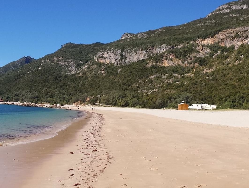 Arrabida Park and Sesimbra Private Tour with Azeitao Wine Tasting from Lisbon