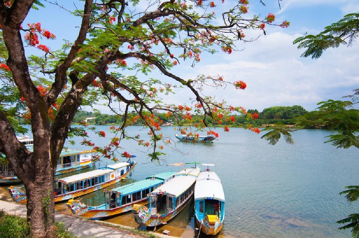 Historic Hue Tour with Perfume River Boat Cruise