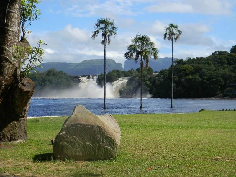Three-day expedition to the Angel Falls with two overnight stays