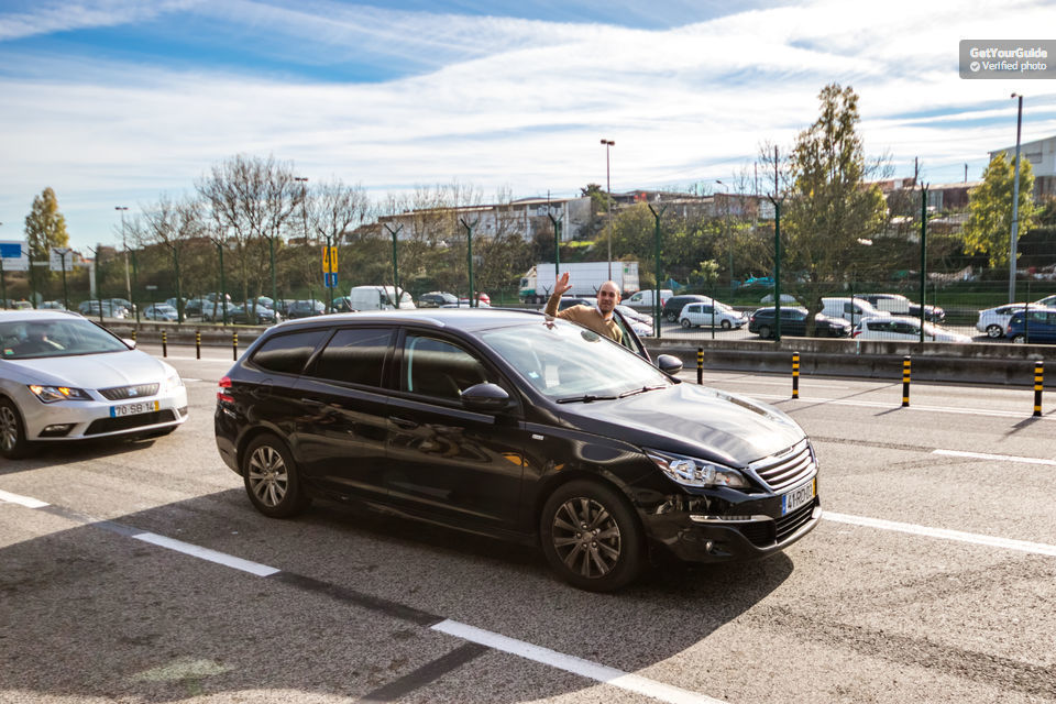 Lisbon 1-Way Private Airport Transfer